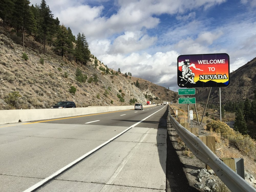 2015-10-28_11_21_44_%22Welcome_to_Nevada%22_sign_along_eastbound_Interstate_80_entering_Washoe_County,_Nevada_from_Sierra_County,_California.jpg
