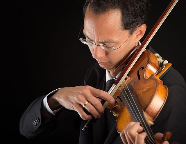 Joining us this summer is @edmontonsymphony #concertmaster, Robert Uchida! Don't miss your chance to hear one of Canada's most electrifying violinists! . . . . #violin #violinist #robertuchida #edmontonsymphonyorchestra #music #chambermusic #classicalmusic #yycarts #yycmusic #rosebud #alberta #rosebudalberta #rosebudarts #musicfestival #festival #rosebudchambermusicfestival #yycnow #yycliving #yycevents