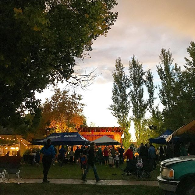 One more sleep until we're back under prairie skies, listening to great music. We can't wait! Don't forget that we are a cash-only event and there is no ATM in Rosebud. See you tomorrow!