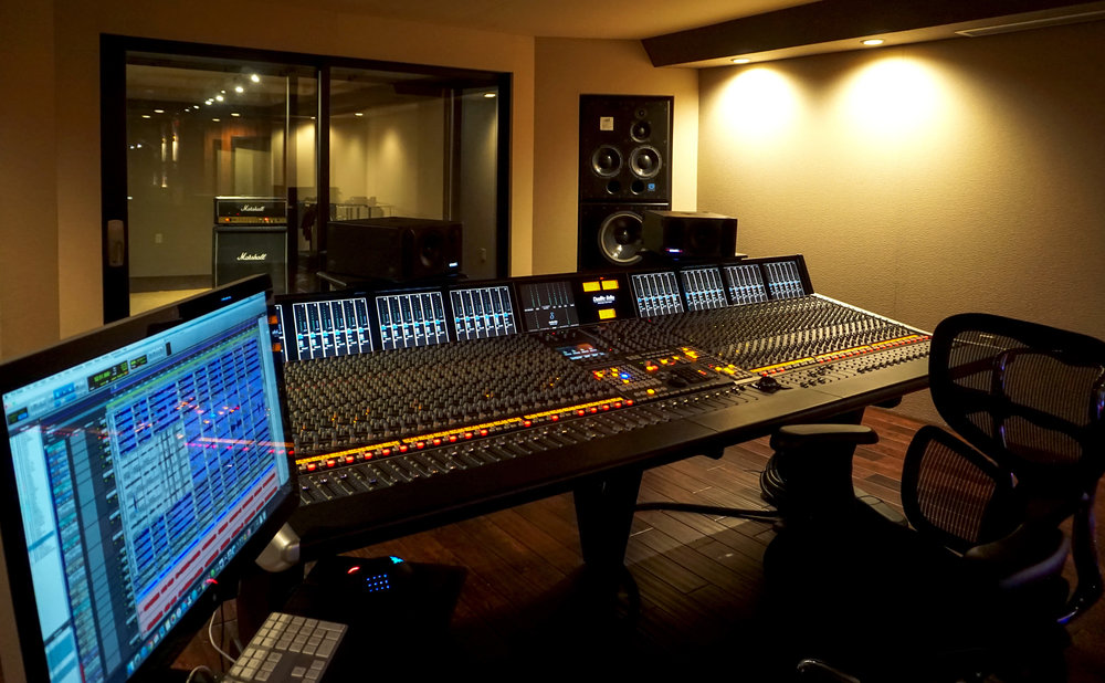 SSL_houseOfRock_ControlRoom02_web.jpg