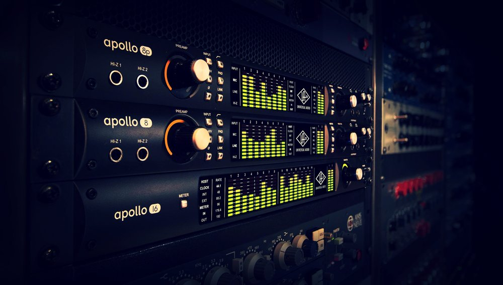 Universal-Audio-Apollo-8P-Thunderbolt-Audio-Interface-Rack-Stacks.jpg