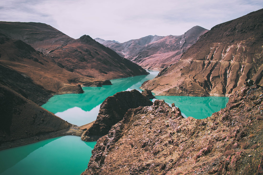 One of the many beautiful and serene lakes in Tibet.