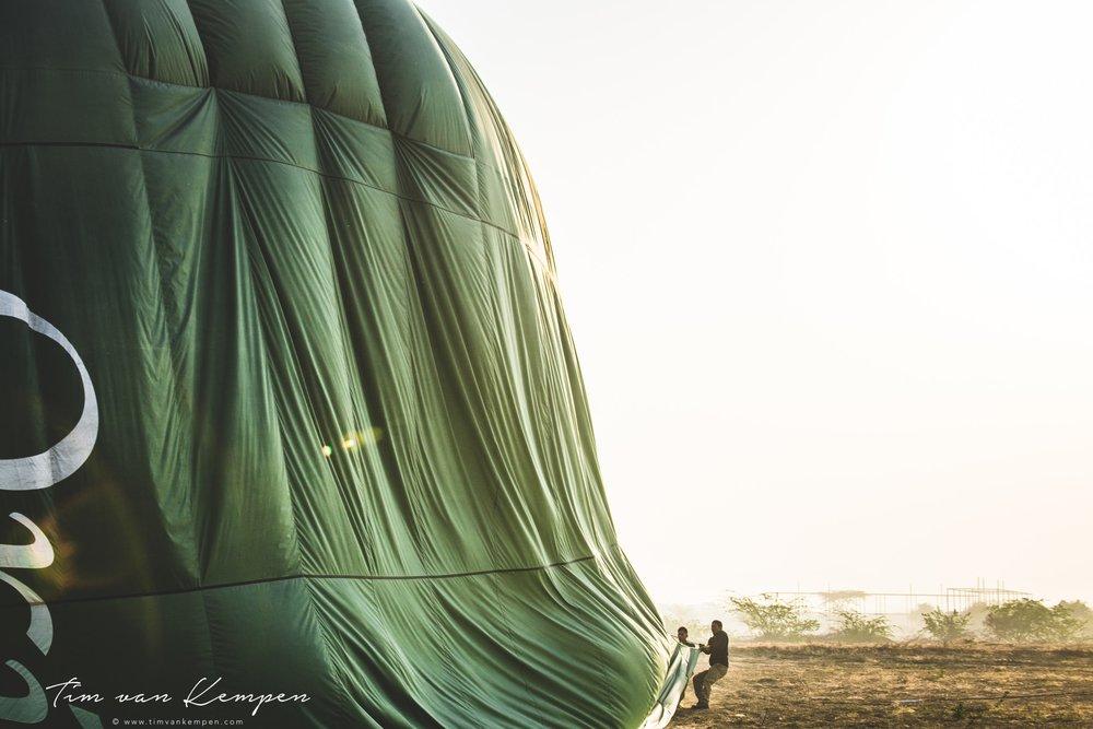 bagan_placestovisit_hotairballoon.jpg