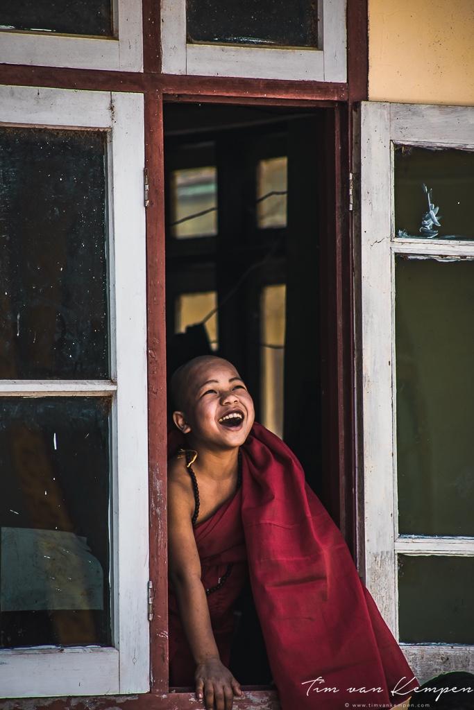 myanmar_itinerary_monk.jpg