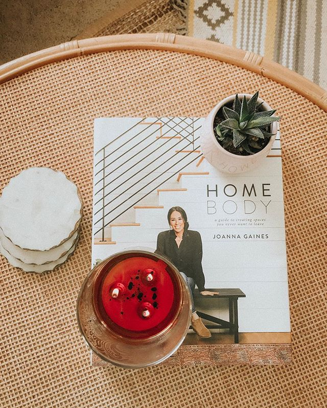 Home Body.⠀ I joke that in today's society, staying in is the new going out. ⠀ I mean, how many of you prefer candles and a cozy blanket? Wine and take-out? Bubble baths? Netflix and chill, y'all?⠀ ⠀ I'm introverted so my soul has contentedly nestled into this trend.⠀ But I'm also the first to admit that maybe I get too comfy in my self-care. ⠀ To complacent with my friendships. ⠀ Too content with alone time or time with Josh.⠀ ⠀ I want to treasure my home body time while still pushing myself to pour into my community.⠀ ⠀ Who's with me? 🌿⠀ ⠀