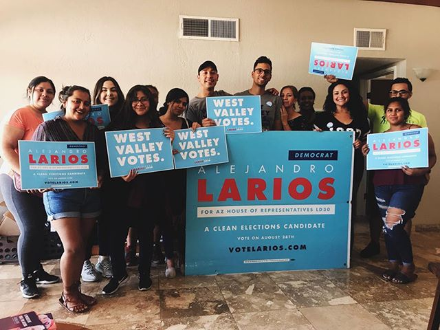 Thank you to everyone that joined us for the Canvass Brunch! Thank you @azzaseif for coming in with the amazing falafel and sweet potato soyrizo! 🙌🏽 Thank you to our next State Senator @navarreteaz and the entire team for always hitting the doors for change!  #WestValleyVotes #VoteLarios #AZ #CleanElectionsCandidate #LD30 #ProgressivesForAZ #WorkingClass #Arizona #CommunityFirst #Creative #PowerInThePeople #IgersAZ #IgersPHX #Democrats #BlueAZ #AlwaysForward #AZCulture #Education #RedforEd #UnionStrong