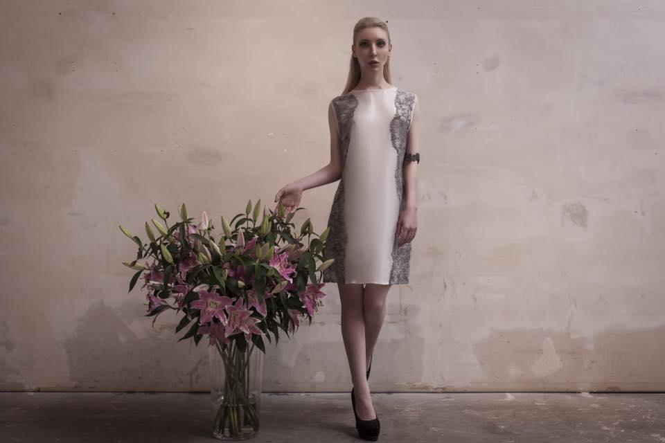 WHITE DRESS -