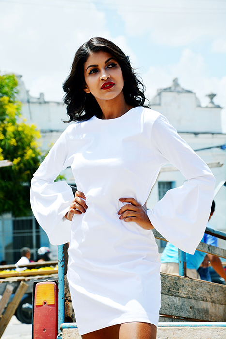 WHITE DRESS WITH WIDE SLEEVES -