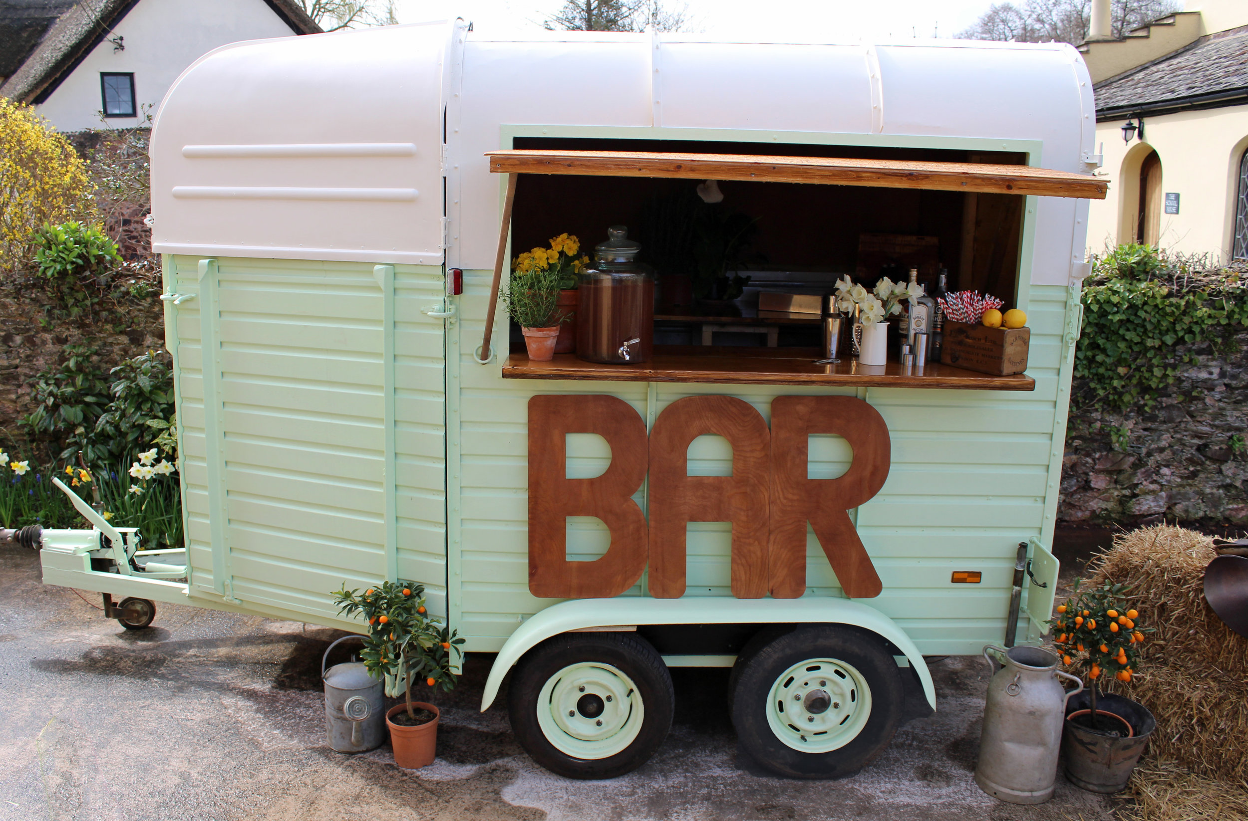 Converting A 1960s Horse Trailer Into A Bar Quirky Group