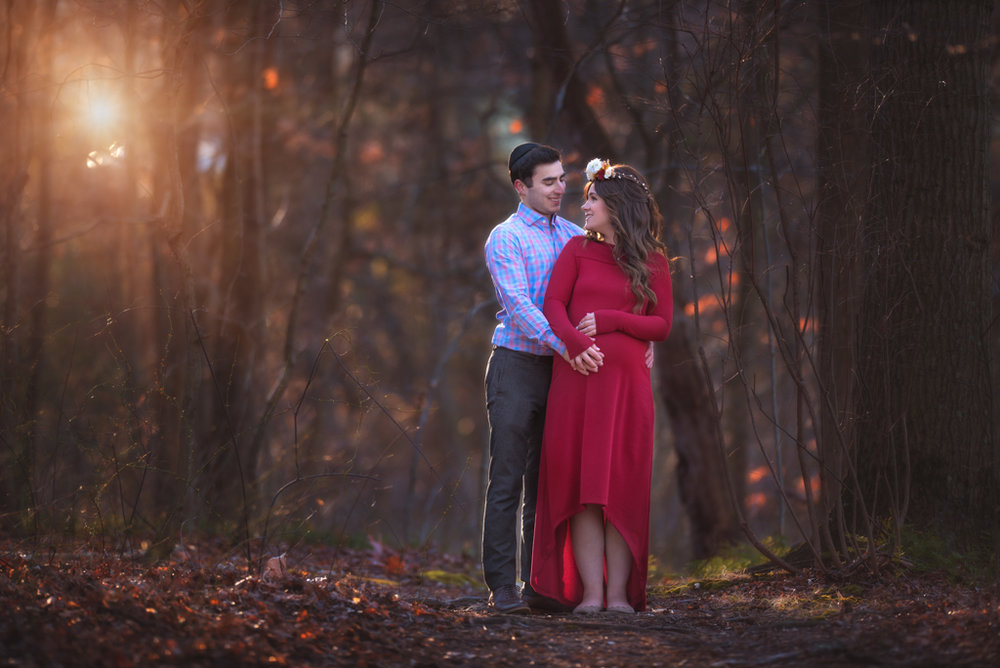 Expecting couple by Fotoplicity