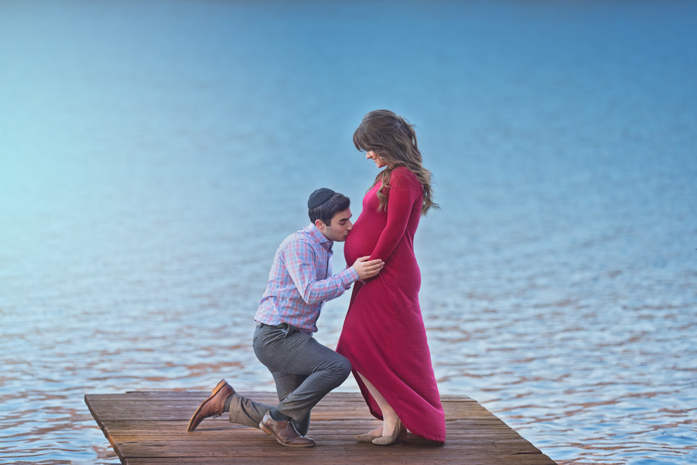 Maternity on the water by Fotoplicity.jpg