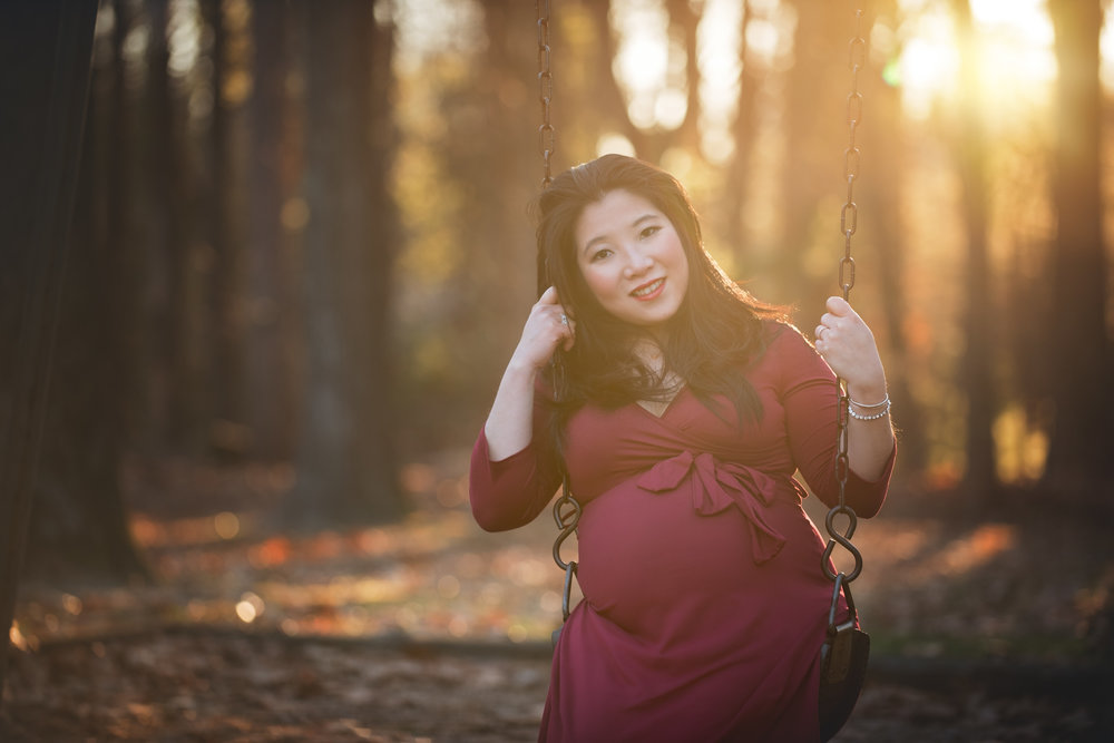 Maternity on Swing by Fotoplicity.jpg