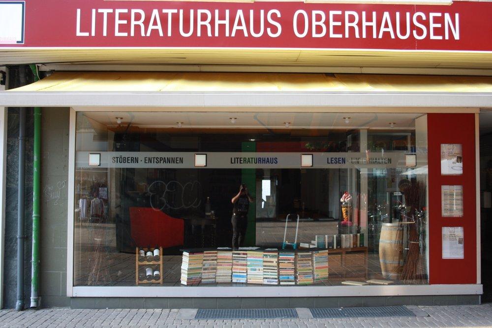 Aktivitäten - Neben den Lesungen und Veranstaltungen des Programms ist das Literaturhaus in zahlreichen kulturellen und politischen Unternehmungen in Oberhausen oder im Ruhrgebiet aktivKlicken Sie auf die Fotos, wenn Sie mehr erfahren wollen.