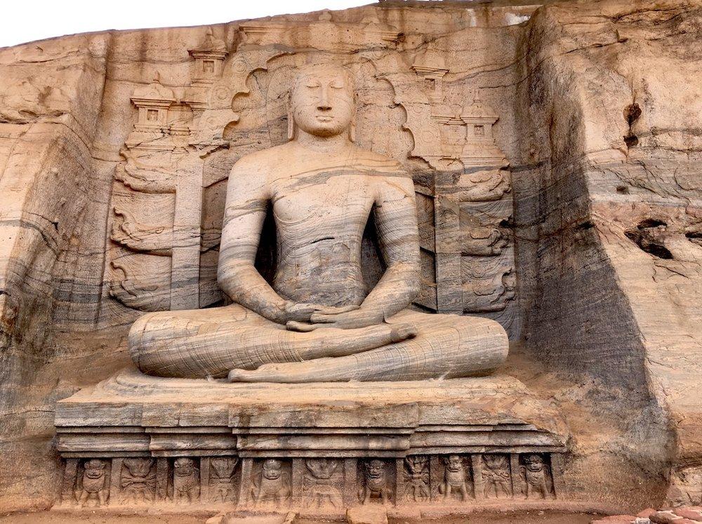 Gal Vihara, em Pollanaruwa, Sri Lanka. Foto: Patti Neves