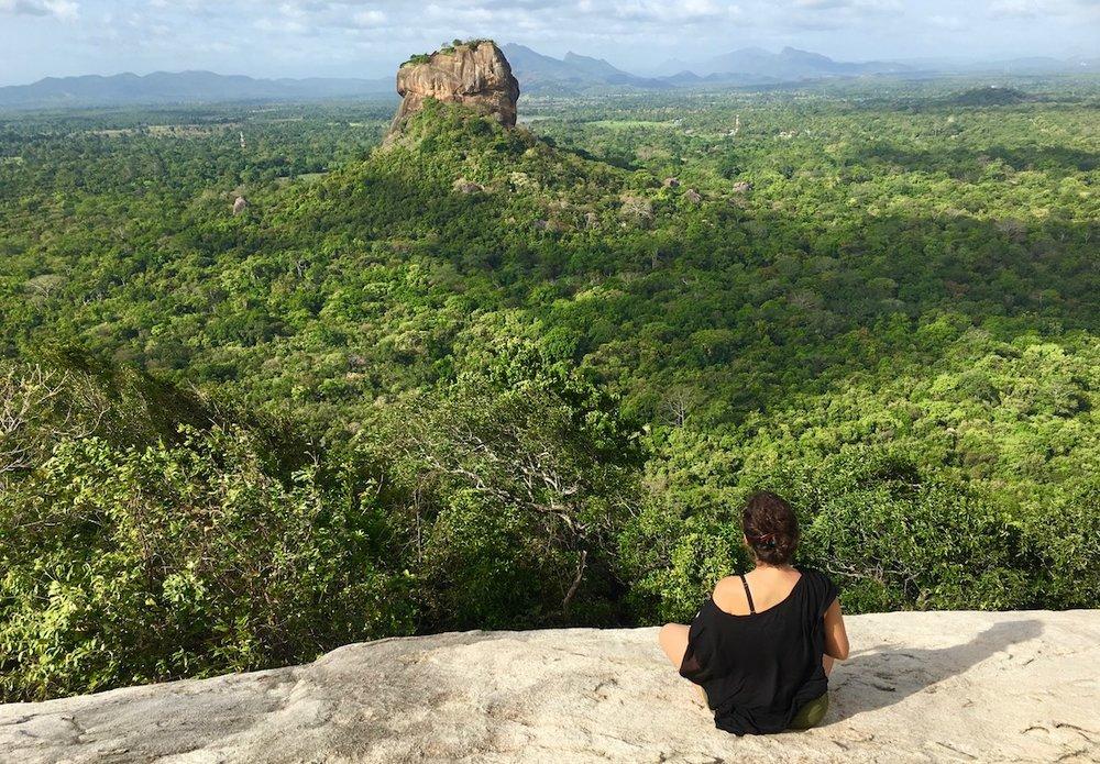 O que seria dos viajantes solitários sem a função automática da câmera? Foto: Patti Neves
