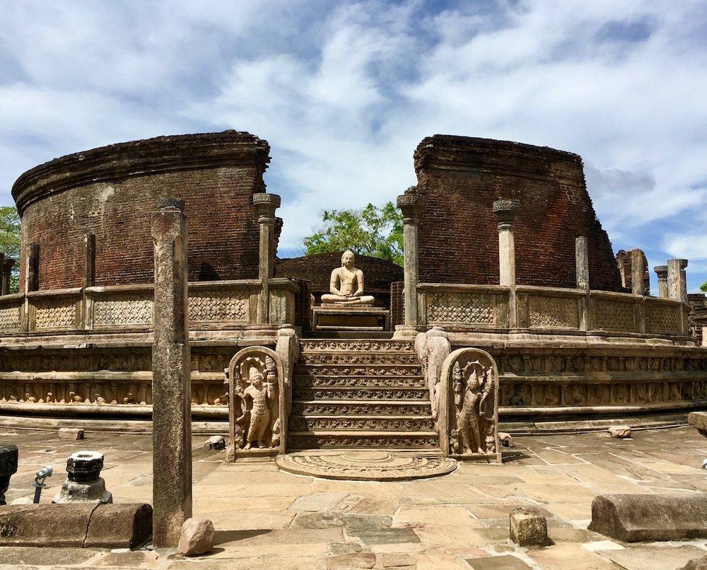 O Vatadage, templo construído para abrigar o dente de Bhudda. Foto: Patti neves