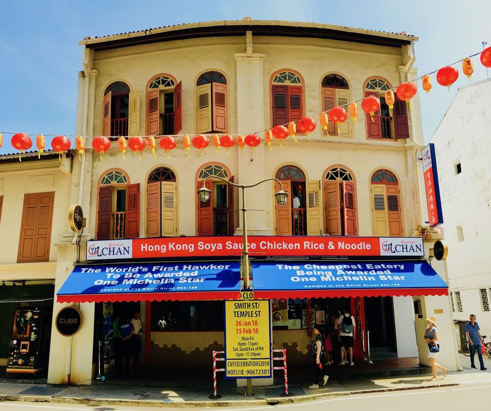 Fachada do hawker Chan em Chinatown. Foto: Patti Neves