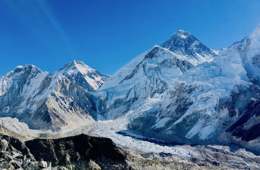 Everest e Khumbu glaciar, vistos de Kalapathar.