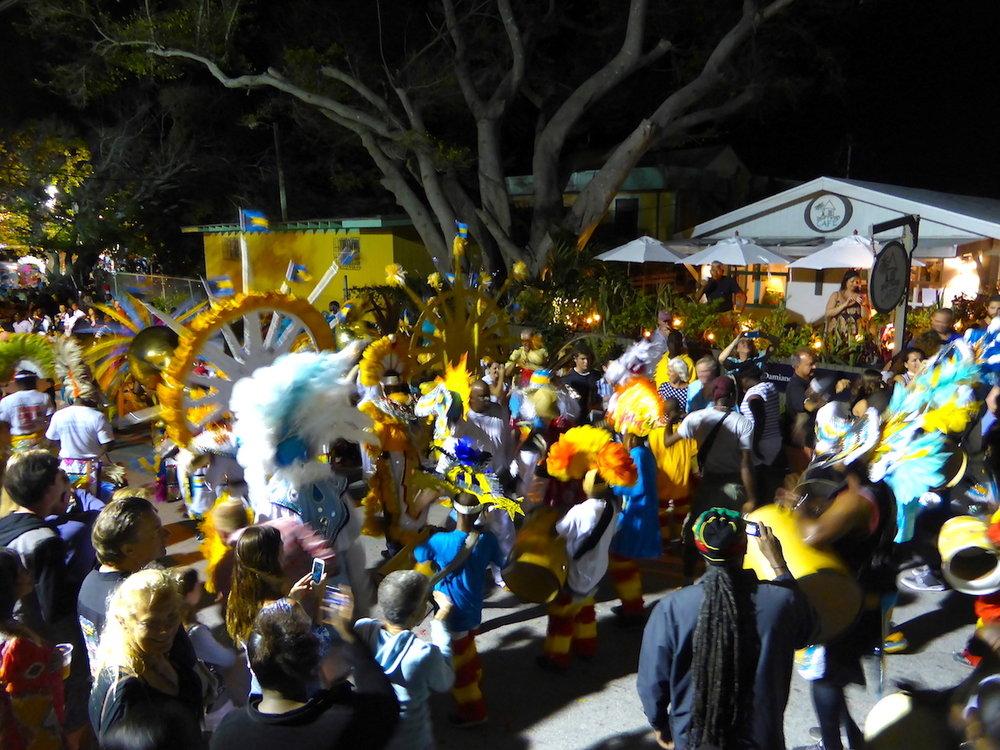Junkanoo, festival nacional das Bahamas. foto: Patti Neves