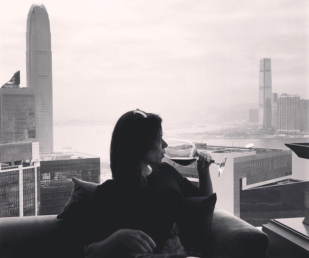Feliz da vida no Cafe Grey Deluxe, em Hong Kong. Foto: David Mattatia
