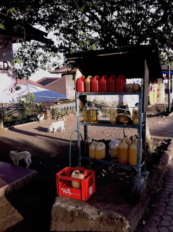 Posto de gasolina, Bali. Foto: Patti Neves