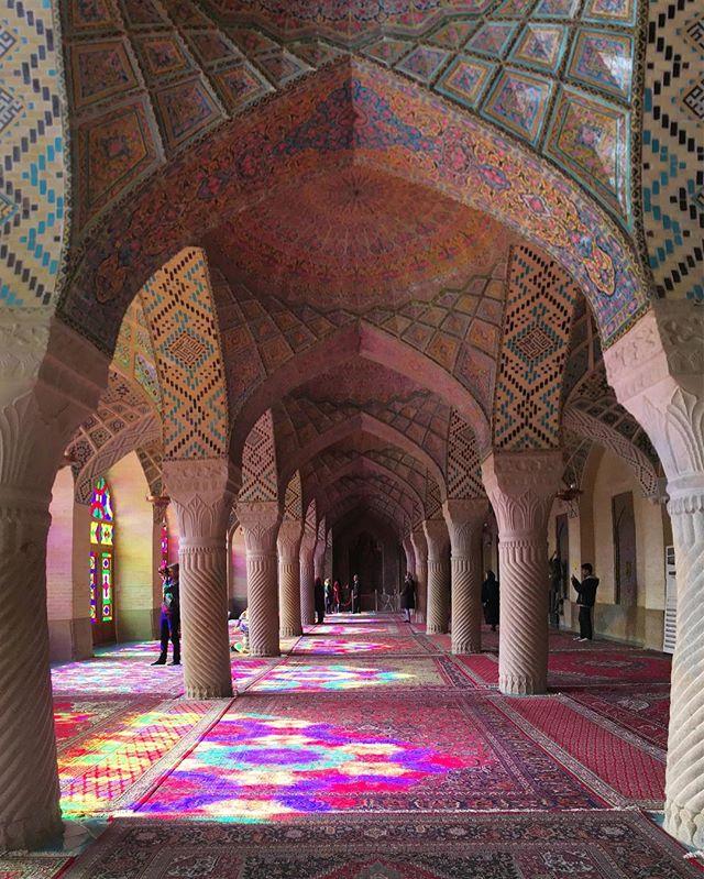 Stunning mosque in Shiraz. Although I do not follow any particular religion, the elegance of this place is mesmerising. Islamic Art ✨ . . .  Mágica define. Apesar de não seguir nenhuma religião em particular, a arte, a beleza e a elegância dessas mesquitas me fascinam. Arte Islâmica 🌙 . . . . #shiraz #shirazi #muslimworld #islamicart #islamicarchitecture #iran #iran_tourism #mesquita #irã #irão #amazingdestinations #arteislamica #beautifuldestinations #mochileirosgrupofechado  #blogueiradeviagem #viajarfazbem  #revistaviajar #revistaqualviagem #viagemtop #viajarépreciso #meucliqueestadao #thepinkmosque #dreamdestination I#brasileiraspelomundo #viajarepreciso #viajaromundo #teheran #iran🇮🇷 #missãovt #revistaviajar #revistaqualviagem #pinkmosque #revistaqualviagem #viajarepreciso #viajarfazbem