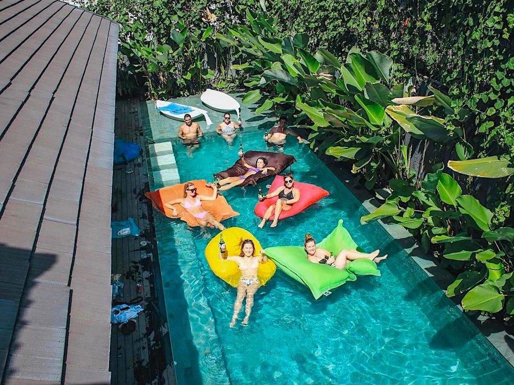 Poshtel em Bali.  Reserve diretamente aqui!