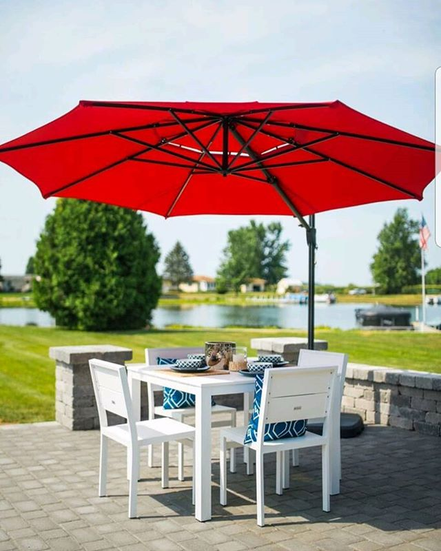This #ParkCity 4 piece set looks great with any setting. We love the white frame with the fun pop of color! Customize yours today! #durogreenoutdoorfurniture #durogreenoutdoor #diningset #outdoorliving #outdoordecor #outdoordining #outdoor #outdoorfurniture #outdoorliving #recycled #recycledfurniture #design #designinspiration #outdoorinspiration #outdooreveryday #summer #summervibes