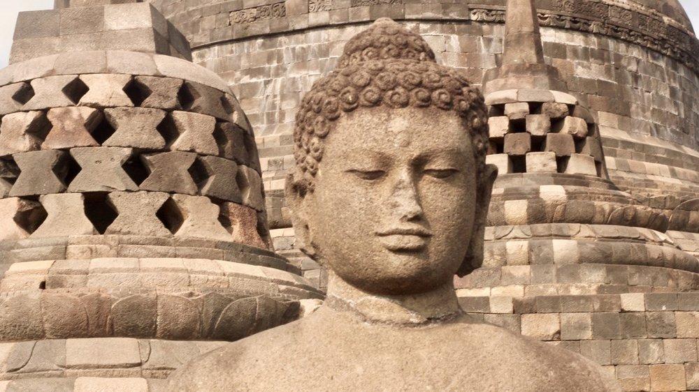 Yogyakarta_monument.jpg