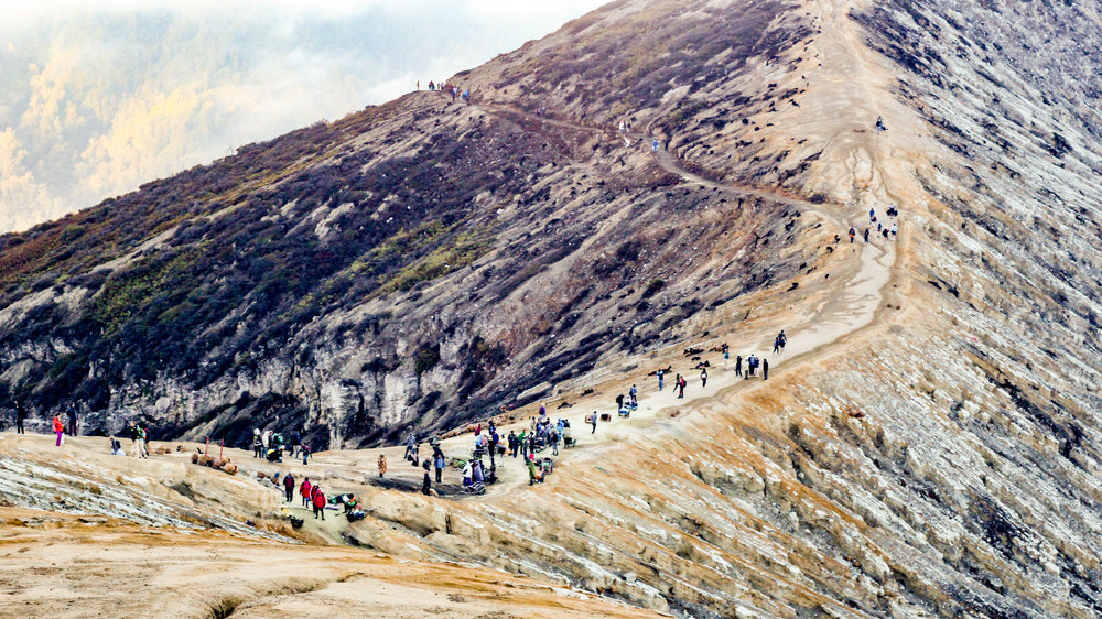 Hiking Ijen