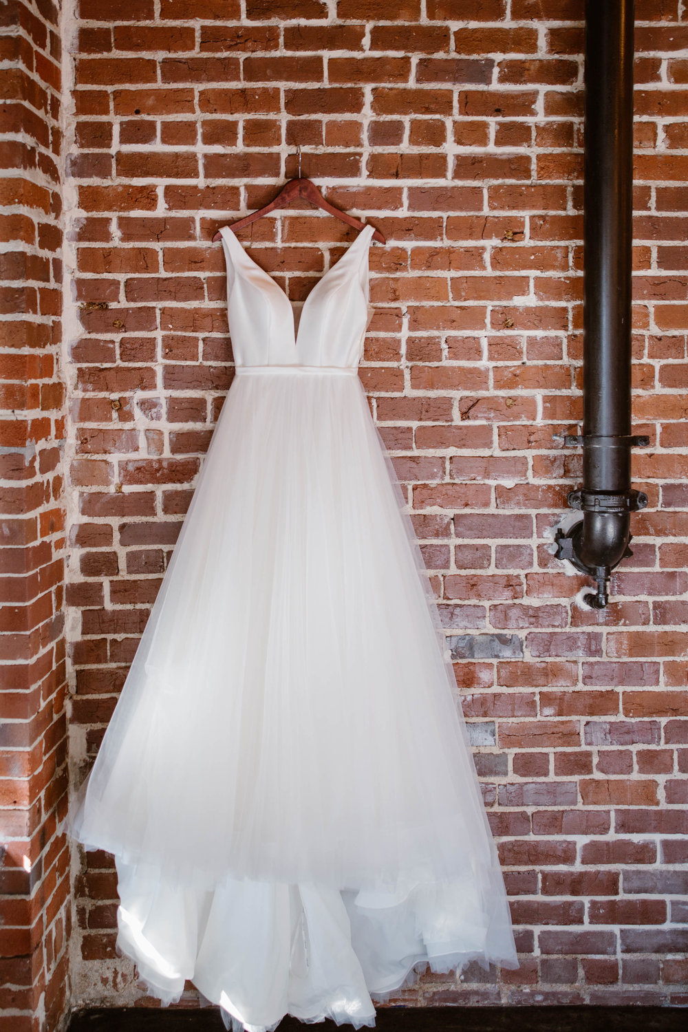 Downtown Knoxville Wedding Venue // Green & White Wedding