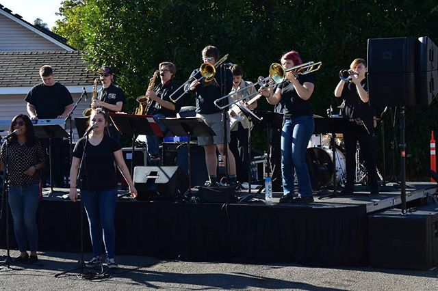 Fun in the sun ☀️ #heatwave #heatwaveshowband #coverband #trumpet #trombone #steviewonder #pop #funk #trombone #saxophone