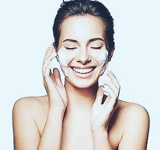 "Do you remember to exfoliate??? What is exfoliation?  Exfoliation is the removal of dead cells on the skin's surface. It is so crucial that you remember to cleanse and exfoliate regularly. Why? As we age, the process of cell regeneration slows down. This means that the body is slower to shed skin cells and generate new ones. When old skin cells start to pile up on the surface of the skin, it can leave skin looking dull, rough, and dry. Furthermore, the build-up of dead skin cells can result in excess oil and clogged pores, leading to blemishes and acne. (awomenshealth.com)  Proper exfoliation removes the barrier of dead skin cells clogging the skin and uncovers fresh new cells below. This opens the way for moisturizing products to penetrate more deeply into the skin, which makes them more effective. In short, a regular exfoliating routine will leave your skin looking fresh and healthy. ""When old skin cells start to pile up on the surface of the skin, it can leave skin looking dull, rough, and dry. Furthermore, the build-up of dead skin cells can result in excess oil and clogged pores, leading to blemishes and acne. ... In short, a regular exfoliating routine will leave your skin looking fresh and healthy."" (awomenshealth.com)  If you want healthy, glowing skin, regular exfoliation is a must. Limit your exfoliation routine to once a week—over-exfoliating can leave your skin dry, irritated, and damaged.  #lightwaveforthewin #vitaminc #red #light #therapy #redlight #redlighttherapy #vitace #LED #beautyface #beautylight #skincare #treatments #collagen #wrinkles #nowrinkles #fineline #skin #skintherapy #health #esthetician #dermatology #brownspots #badskin #clearskin #prettyskin #clearupskin #acne #clean #pimples"