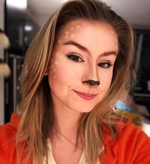 My costume was supposed to be a kangaroo, but you can call me deer. 😘🧡🖤 HAPPY HALLOWEEN EVERYONE LETS GET THIS PUMPKIN BREAD #nokangaroomakeuptutorials
