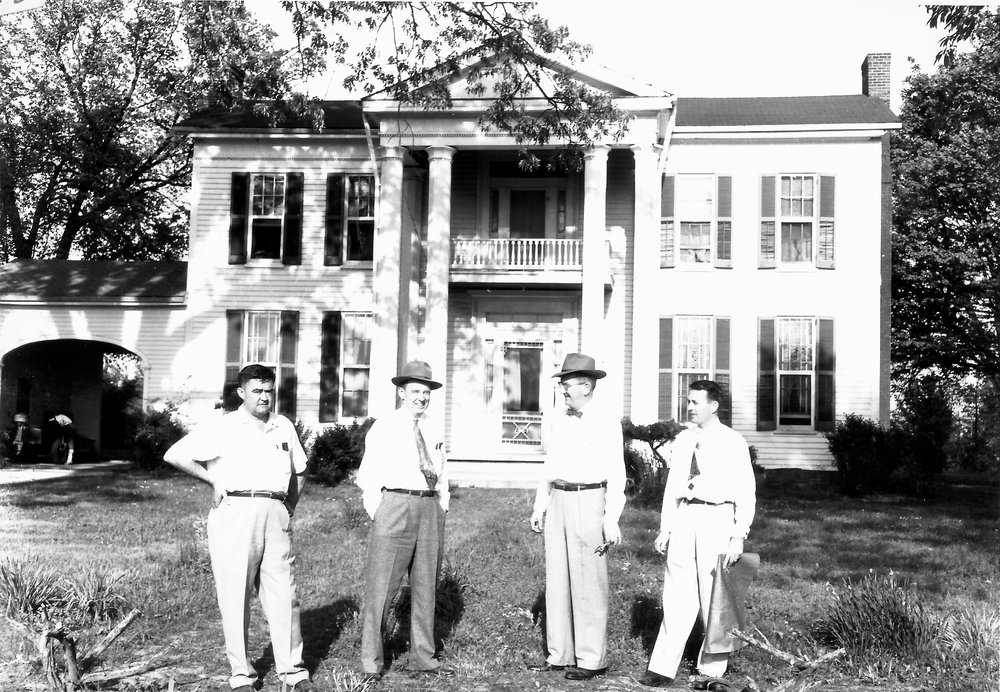 Brownsville E Main Wright, Johns, Stehlin, Wright, before house was moved; Southwest Electric built on site