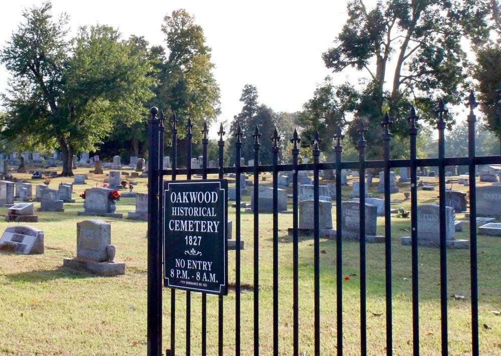 Oakwood Cemetery, 2016
