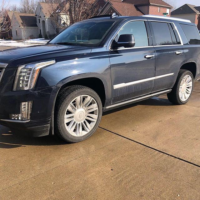 When the temperature outside allows you to work! Platinum Package on this 2016 Cadillac Escalade. Couple before Andrea pics. #autodetailing #mobiledetailing #denver #detailersofinstagram #colorado #denvercolorado #arvadacolorado @cadillac #mobiledetailing #lakewoodcolorado #auroracolorado #goldencolorado