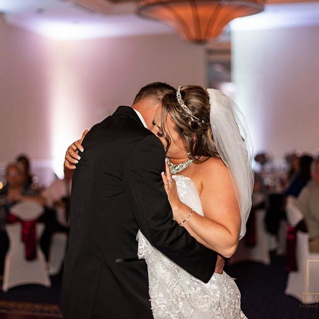 """The best thing to hold onto in life is each other."" —Audrey Hepburn . . . . . #syracusewedding #firstdance #weddings #septemberwedding #djlights #brideandgroom  #bride #groom #syracusephotographer #syracuse #weddingphotography #weddingday #weddinghairstyle #sheraton #syracuseweddingphotographer #wedding #audreyhepburn #tohaveandtohold"