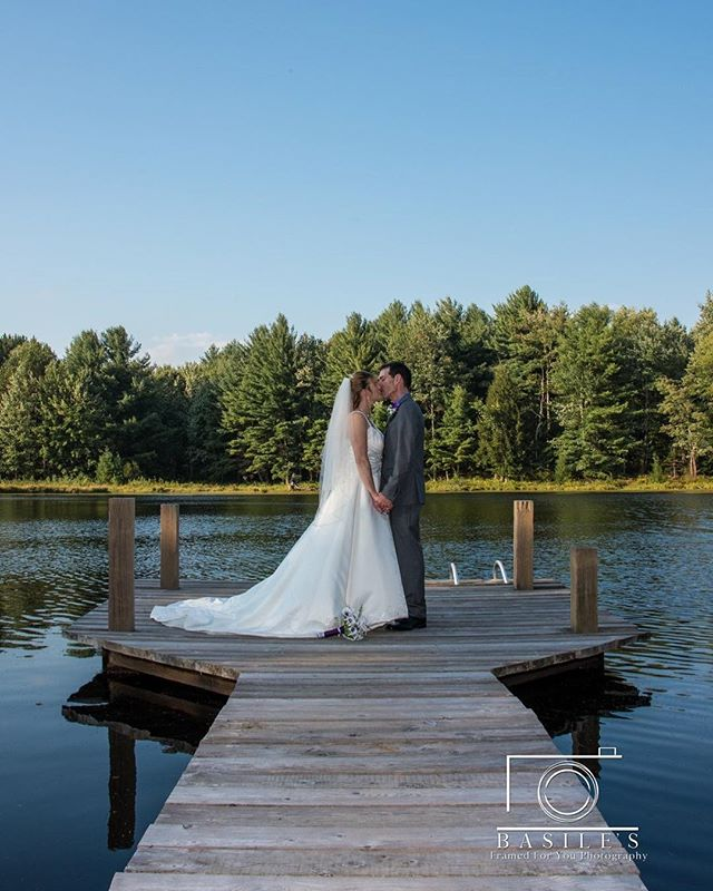 One of the best backdrops👌🏼 . . . . . . #syracusewedding #brideandgroom #weddings #fallportraits #weddingpose #2018wedding  #fall #2018 #syracusephotographer #syracuse #weddingphotography #pose #posing #fallwedding #syracuseweddingphotographer #wedding #pond #landscape #bride #groom