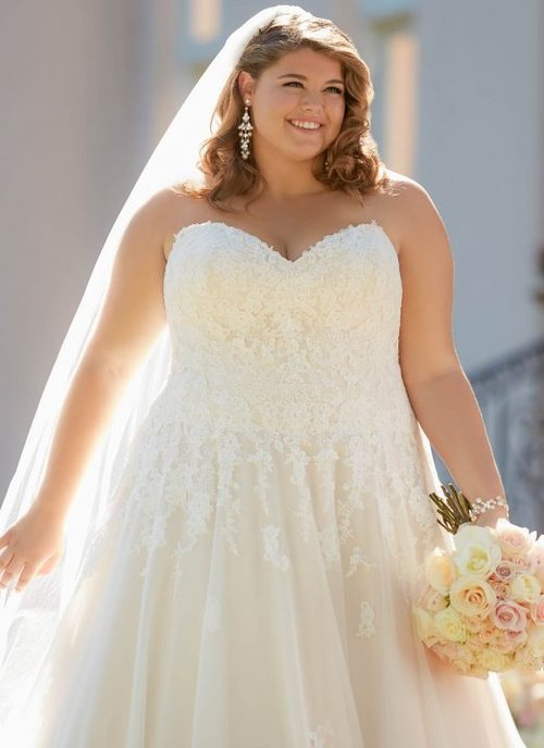 d8ad9cffbf5 Plus Size Wedding Dresses at Lilla s Bridal in York