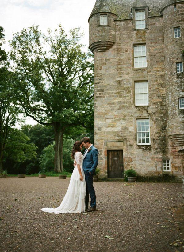 Romantic-and-Regal-Scottish-Wedding-Inspiration-at-Kellie-Castle-Archetype-Studio-17-600x819.jpg