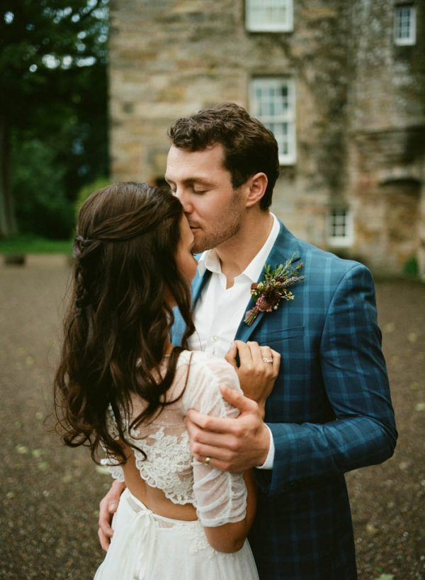 Romantic-and-Regal-Scottish-Wedding-Inspiration-at-Kellie-Castle-Archetype-Studio-20-600x819.jpg
