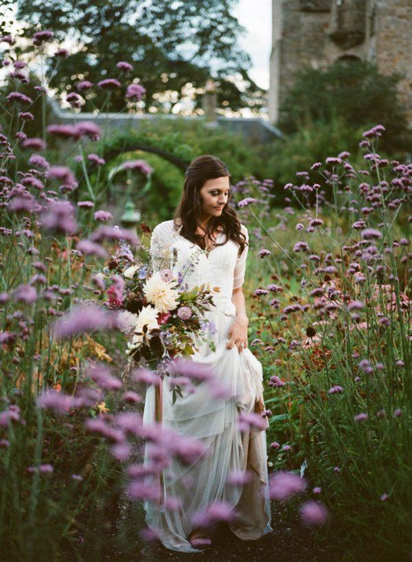 Romantic-and-Regal-Scottish-Wedding-Inspiration-at-Kellie-Castle-Archetype-Studio-32-600x819.jpg