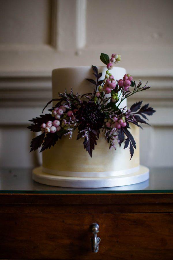Romantic-and-Regal-Scottish-Wedding-Inspiration-at-Kellie-Castle-Archetype-Studio-600x900.jpg