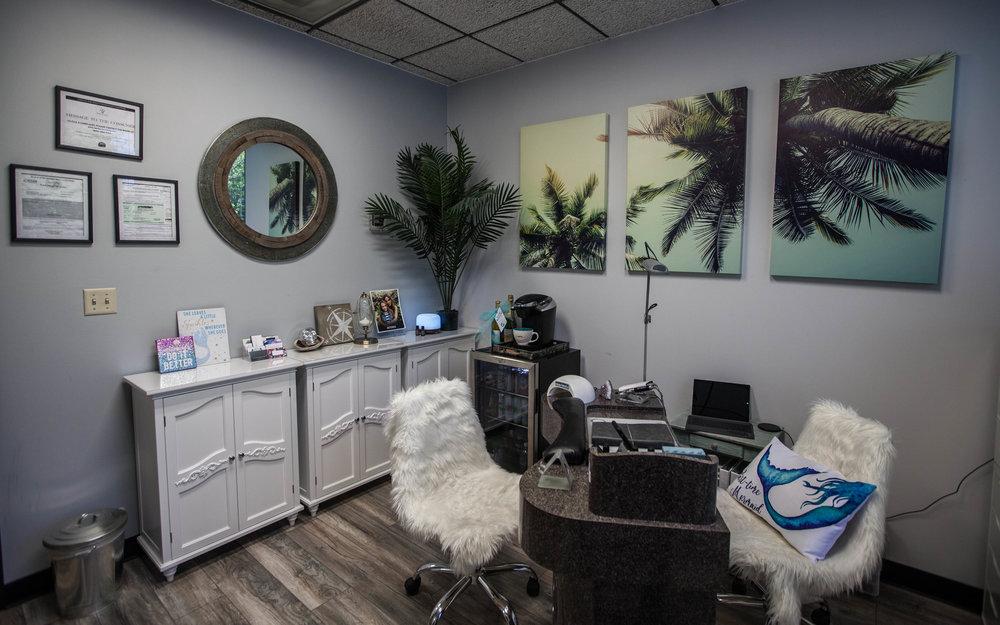 The Nail Cove Salon2.JPG