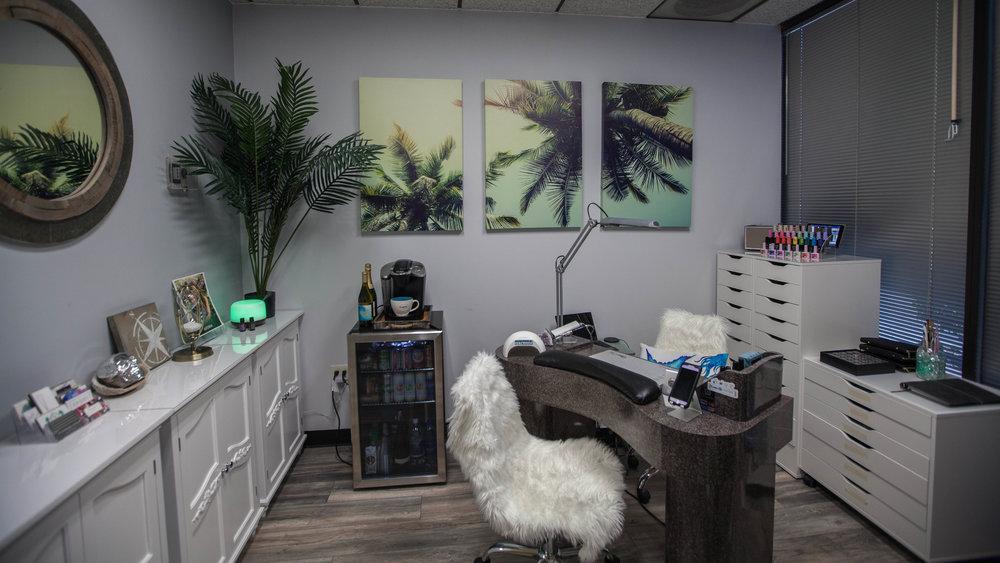 The Nail Cove Salon4.JPG