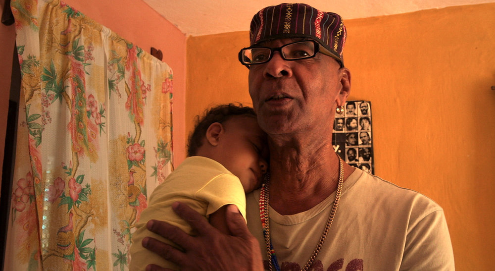 TheSkyjackersTale_4_Ishmael_Muslim_Ali-withGrandson.jpg