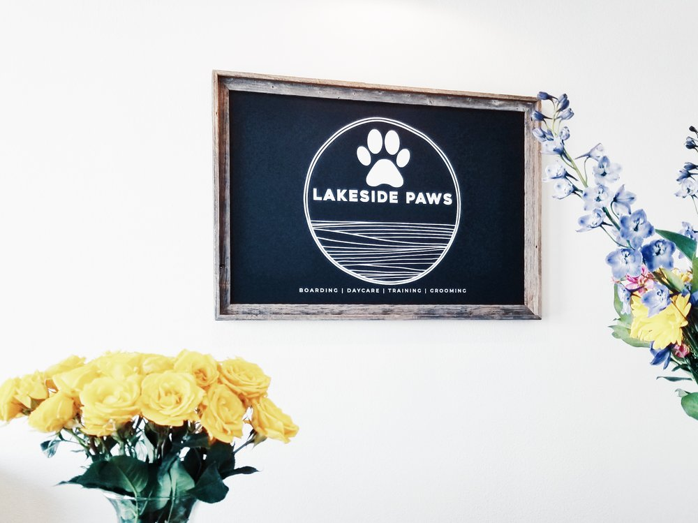 Lakeside_Visit-Building_Front-Desk