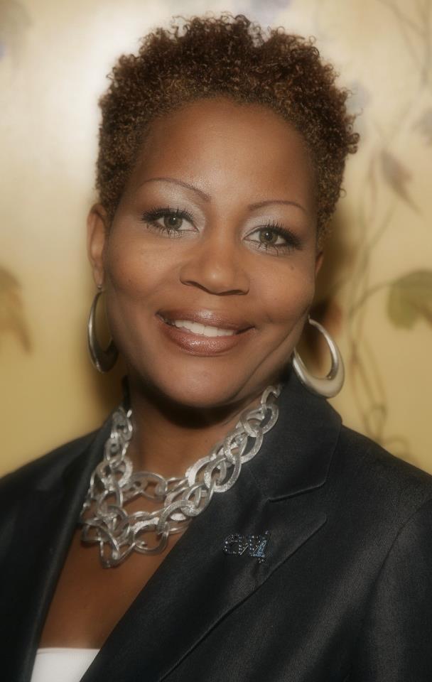 Verla Calhoun Kelley headshot.jpg
