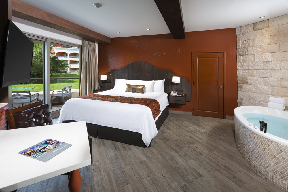 Deluxe Gold Room   TORONTO - CANCUN 7 NIGHT PACKAGE    Please email admin@destawed.com for your booking inquiries.  Thank you!